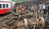 Галт тэрэг онхолдож 53 зорчигч амиа алдлаа