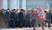 Д.Сүхбаатарын хөшөөнд цэцэг өргөж, эзэн Чингис хааны хөшөөнд хүндэтгэл үзүүлэв