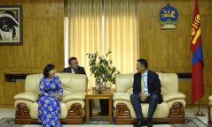 УИХ-ын дэд дарга Л.Энх-Амгалан Элчин сайд Доан Тхи Хыөнгийг хүлээн авч уулзав