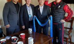 Ерөнхийлөгч Х.Баттулга, дасгалжуулагч Г.Үүрцолмонд байр бэлэглэв