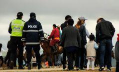 12 хүүхэд төөрснийг цагдаагийн алба хаагчид эцэг эх, асран хамгаалагчид хүлээлгэн өгчээ