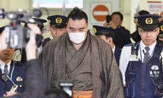 Харумафүжи Д.Бямбадоржийг 500 мянган иенээр торгожээ