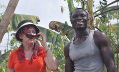 Ядуу иргэдээ тэжээхийн тулд Канадад гурван жил цэцэрлэгчээр ажилласан ХААН