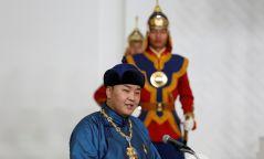 """""""Монголын өглөө"""" дуу олон улсын наадмаас мөнгөн цом хүртэв"""