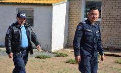 Хэсгийн мөрдөгч, цагдаа нар 4 хүүхдийн амь насыг аварлаа