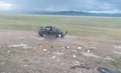 СЭРЭМЖЛҮҮЛЭГ: Завхан аймгийн нутагт зам тээврийн ноцтой осол гарч, нэг машинд явсан долоон хүн амиа алджээ