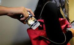 Хулгайчидтай хамтардаг гар утасны ченжийг мөнгө угаасан хэргээр ял шийтгэв