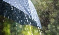 Хангай, Хөвсгөлийн уулархаг нутгаар дуу цахилгаантай усархаг бороо орно