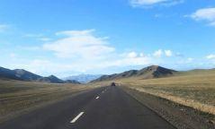 Баян-Өлгий аймгийн Хашаат чиглэлийн хатуу хучилттай 60 км авто зам ашиглалтад орлоо