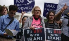 Ираны цөмийн зэвсгийн асуудал: Trump нь дэмжлэгийг цуцлахад бэлэн байна