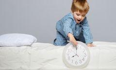 Хүүхдэдээ унтахаас нь өмнө өгч болохгүй хүнс