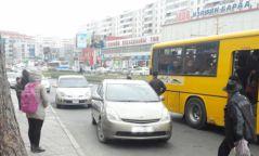 Чиглэлийн тээврийн хэрэгсэл болон таксины зогсоол дээр зогсохыг хориглоно