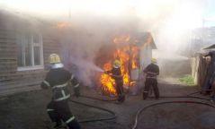 Гал түймрээс 7-10 насны хоёр хүүхдийн амийг аварчээ