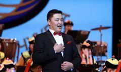 """Г.Ариунбаатарыг """"Монголын тал нутаг"""" дууг дуулахдаа зөвшөөрөл авахыг сануулав"""