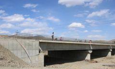 Хайлааст- Дарь-Эхийн зам хүртэлх зам, гүүрийн барилгын ажил 90 хувийн гүйцэтгэлтэй байна