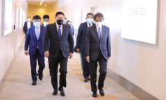 Япон Улсын Цог жавхлант эзэн хаан Нарүхито, Ерөнхий сайд Ё.Сүгаг Монголд айлчлахыг урьжээ