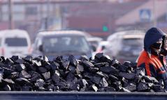 Зөвшөөрөлгүй түүхий нүүрс түлсэн долоон аж ахуйн нэгжээс 247 тонн нүүрс хураажээ