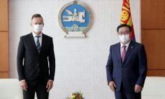 Г.Занданшатар: Амьсгалын 33 ширхэг аппаратыг хүмүүнлэгийн тусламжаар олгож буй Унгар улсад гүн талархлаа илэрхийлье