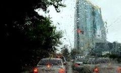 Улаанбаатарт дуу цахилгаантай бороо орно