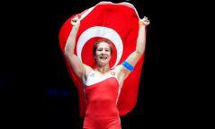Ясемин Адар Туркийн шилдэг эмэгтэй тамирчинд нэр дэвшлээ