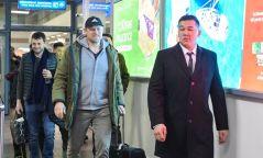 Дэлхийн шилдэг хаалгач Петер Шмейхель Монголд ирээд буцлаа