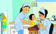 Хүүхдийн мэргэжлийн эмч нар утсаар зөвлөгөө өгч байна