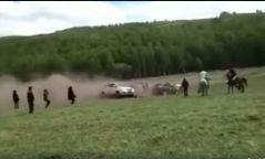 Бичлэг: Өвөрмонгол иргэнийг морьтой нь дайрч хөнөөсөн аймшигт хэрэг гарчээ
