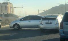Яармагийн гүүрний орчмын замд гурван автомашин мөргөлдсөн осол гарлаа