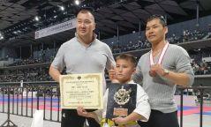 Долоон настай Н.Нэмүн каратэгийн олон улсын аварга болжээ