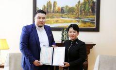 Дуурийн дуучин Э.Анхбаярыг Монгол Улсын Соёлын элчээр томиллоо