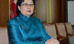 Үндсэн хуулийн цэцийн гишүүнд нэр дэвшсэн  Р.Бурмаагийн талаар хэн юу хэлэв