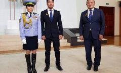 Олимпийн мөнгөн медальт Д.Сумъяад Монгол Улсын Хөдөлмөрийн баатар цол хүртээлээ