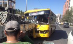 Нийтийн тээврийн том оврын автобус ноцтой осол гаргажээ