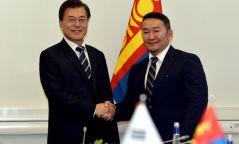 Монгол Улсын Ерөнхийлөгч Х.Баттулга, БНСУ-ын Ерөнхийлөгч Мүн Жэ Ин нар уулзлаа