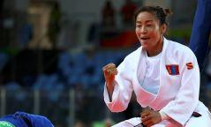 Storify: Жүдо бөхийн дөрөв дэх Дэлхийн аварга Д.Сумъяагийн талаар хэн юу хэлэв