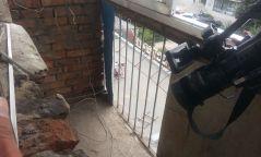 Фото: Баривчлагдсан Ч.Батболдын гэрийн цонхыг хагалжээ