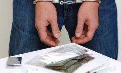Хар тамхи, мансууруулах төрлийн бодис тээвэрлэж явсан залуусыг илрүүлжээ