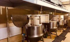 """""""Монгол маркет"""" ХХК-ийн ахлах тогооч О.Баярсайхан:Захиалагчийн ууц, өвчүүг кодоор лацдах учраас солигдохгүй"""