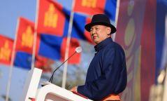 Нэр дэвшигч У.Хүрэлсүх Төв аймгийн иргэд, сонгогчидтой уулзаж байна