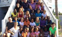 29 орны хүүхэд үрчилж авсан сайхан сэтгэлт хос