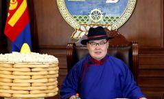 Монгол Улсын Их Хурлын дарга Гомбожавын Занданшатарын Сар шинийн мэндчилгээ