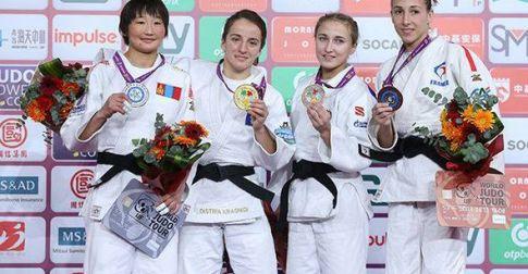 Эхний өдөр гурван медаль хүртэв