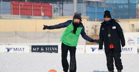 Монголын хөлбөмбөгийн дасгалжуулагч нарт өгсөн Ико Ёожигийн үнэтэй зөвлөгөө