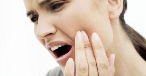 Шүд хорхойтох, буйлын үрэвсэл хүндэрч шүдний цөм дэхь мэдрэлийн ширхэгт хүрч үрэвсэл үүсдэг